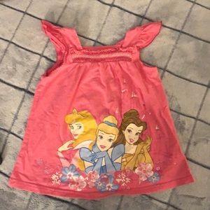 ❣️5/$15❣️Girl's Disney Princess shirt. 👸